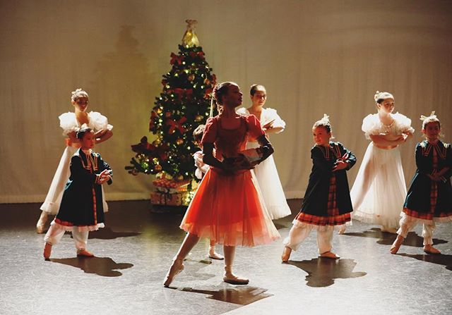 Santa is only 2 sleeps away! We hope all you young dancers are enjoying your break so far 🎄