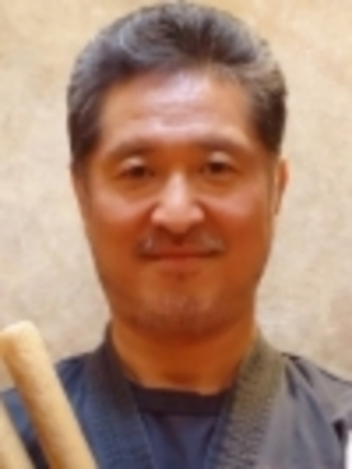 Hiro's headshot.jpg