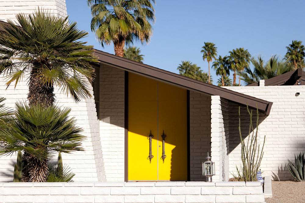 Mid-century_modern_house_in_Palm_Springs.jpg