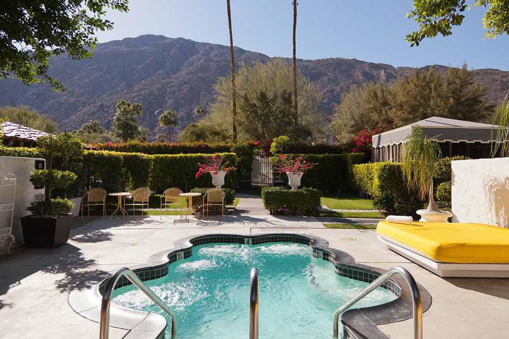 Palm_Springs_pool_2015.jpg
