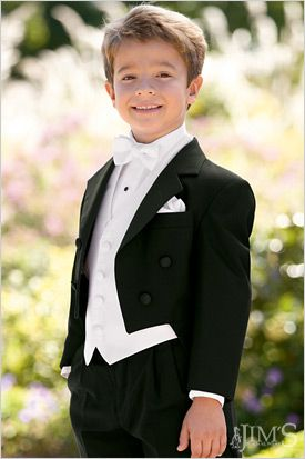 95d89297cbdaf2f28c85b96ac224ad26--ring-bearer-suit-kids-suits.jpg