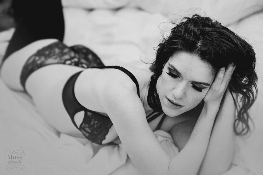 Kennedy-Victoria-Boudoir-Photography-37.jpg