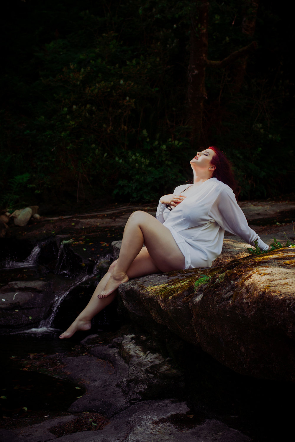 Victoria-BC-Outdoor-Boudoir-Moss-Photography-3.jpg