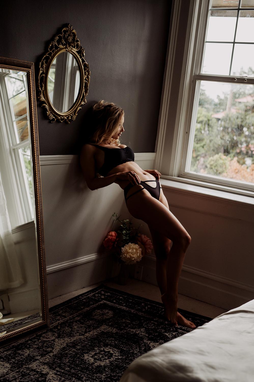 Victoria-BC-Boudoir--Moss-Photography-3.jpg