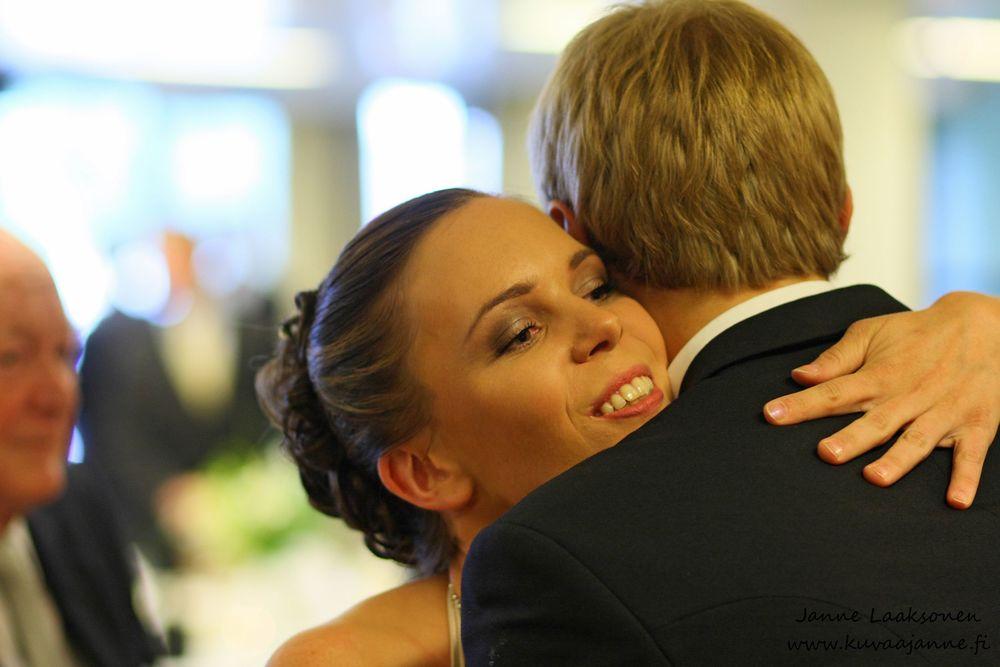 Aulanko kesäkuussa, hääparin onnitelut. Valokuvaaja Janne Laaksonen, Riihimäki