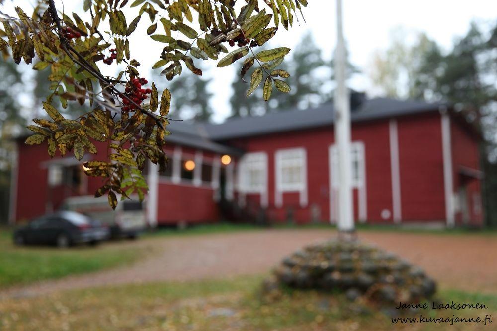 Hausjärvi, Maisala lokakuussa. Juhlapaikka. Valokuvaaja Janne Laaksonen, Riihimäki