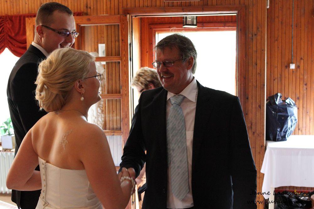 Hausjärvi, Savelan pitokartano elokuussa. Hääparin onnittelut. Valokuvaaja Janne Laaksonen, Riihimäki