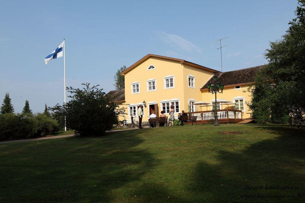 Hausjärvi, Savelan pitokartano elokuussa. Juhlapaikka. Valokuvaaja Janne Laaksonen, Riihimäki