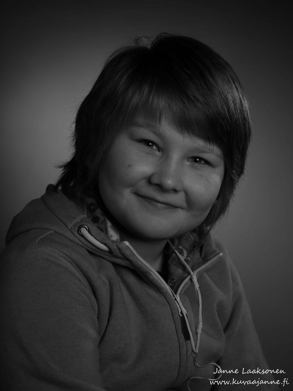 Lapsikuva studiossa, valokuvaaja Janne Laaksonen, Riihimäki.