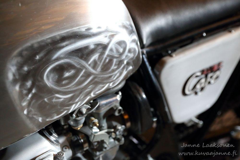 Moottoripyörä, tuotekuvaus