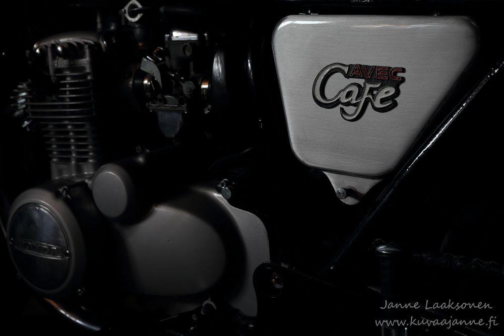 Moottoripyörä / Tuotekuvaus