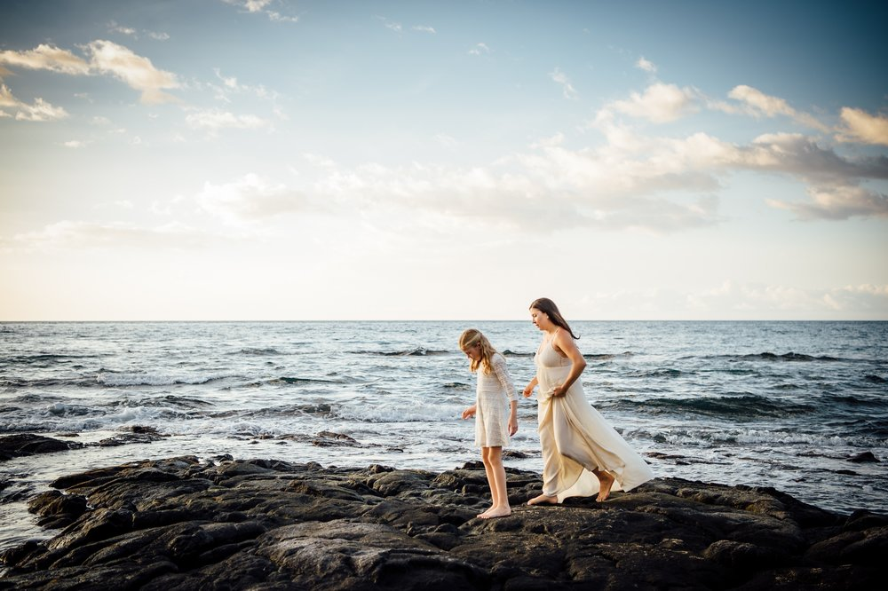 Hawaii mother and daughter session