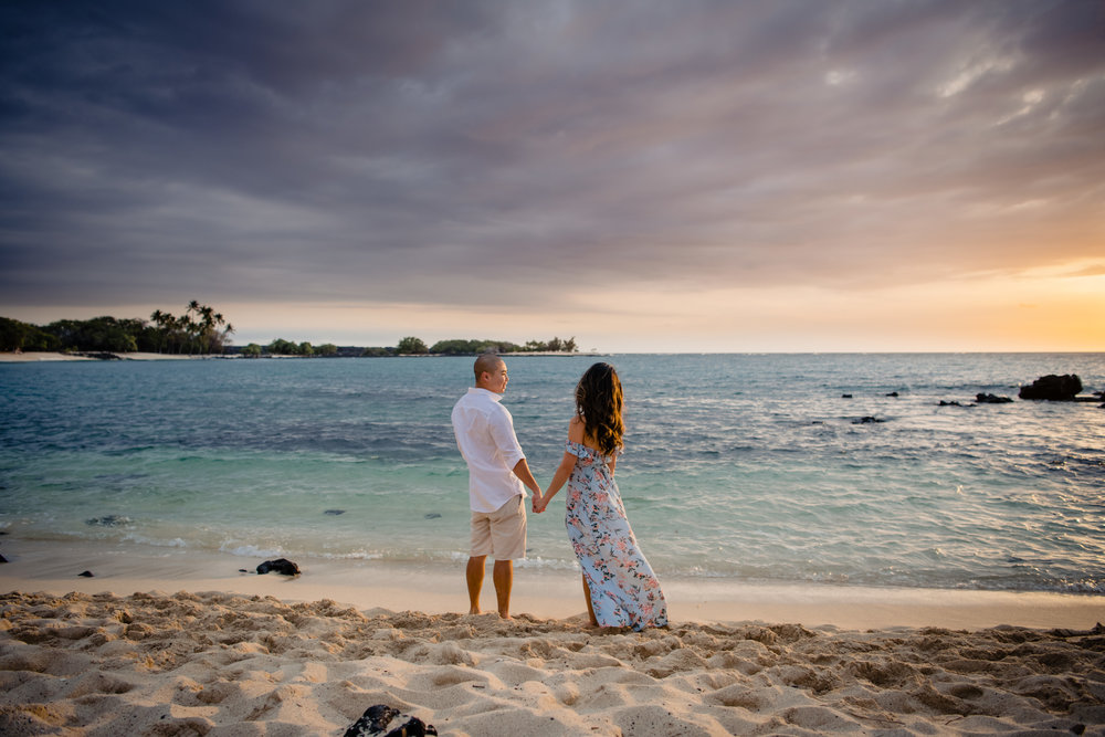 Kona Sunset Engagement Session | Hawaii Wedding Photographer -