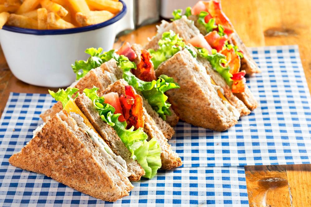 Bacon, tomato, lettuce club sandwiches, Woolshed Pub, Dublin, 2017