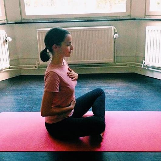 Yoga Chloe.jpg