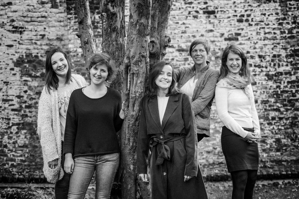 Hanne, Febe, Chloé, Elke et Arlind
