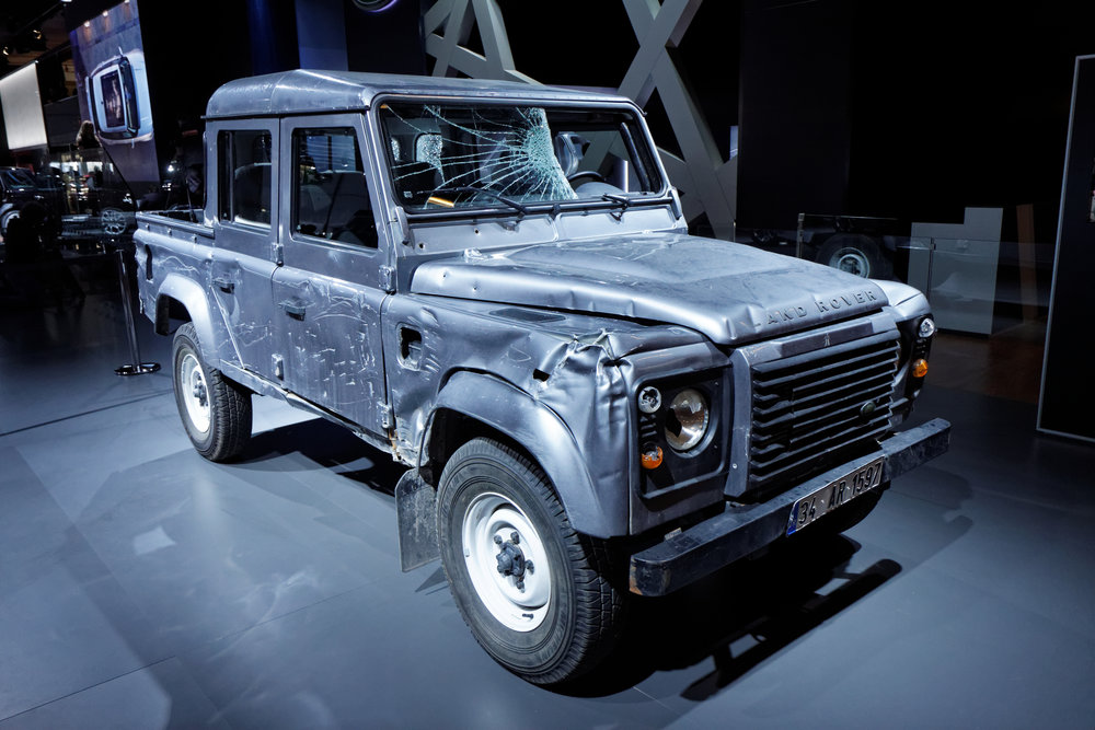 Land_Rover_Defender_Double_Cab_pick-up_-_Skyfall_-_Mondial_de_l'Automobile_de_Paris_2012_-_002.jpg