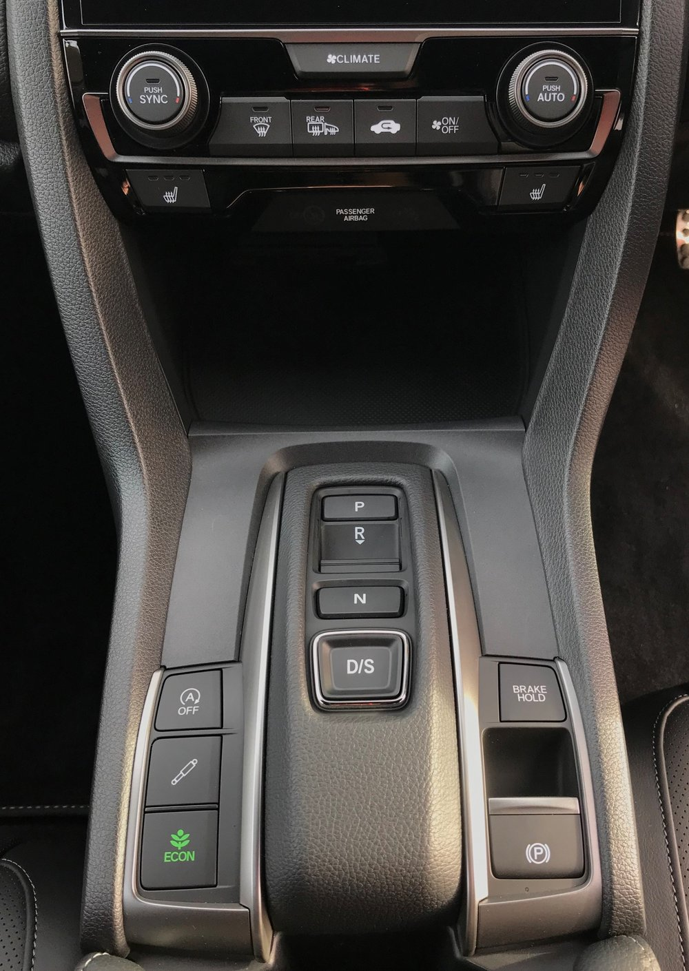 153152_Civic_diesel_interior_automatic_transmission.jpg