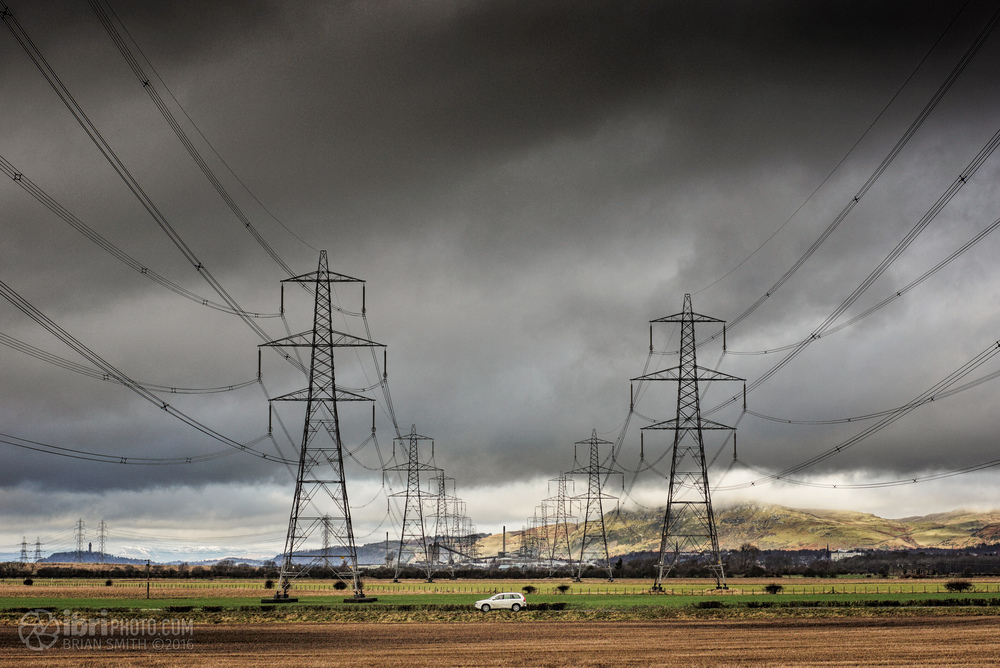 March of the pylons - off towards Alloa before taking a left over the River Forth
