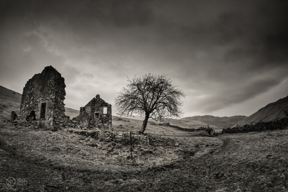 A refreshing hike from the Sheriffmuir Road to the long abandoned and derelict farmhouse and outbuildings nestling behind Dumyat in the Ochils Hills