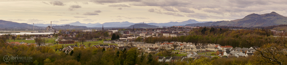 The view from  King's Seat  on a good day. Stirling, Wallace Monument, the Castle and Ben Lomond beyond.