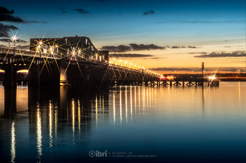The clocks went back and the sunset came forward. Down at the 'other' bridges on the River Forth