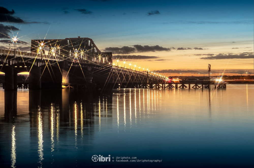 End of October, end of summer. The clocks went back and the sunset came forward. Down at the 'other' bridges on the River Forth.