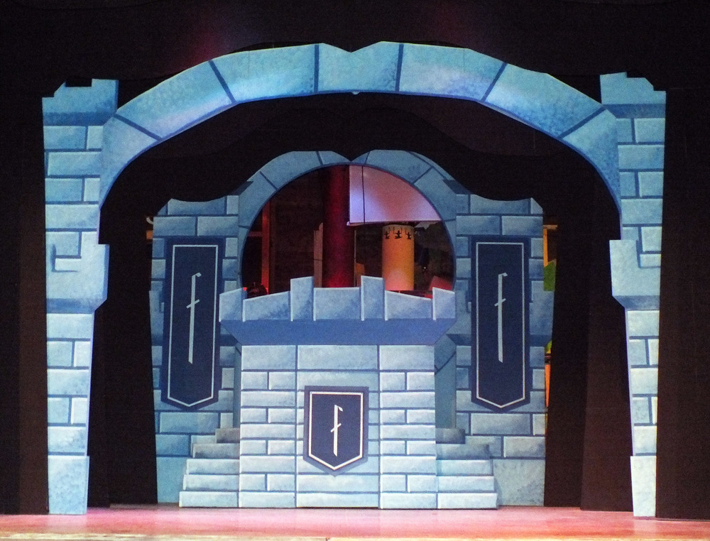 Shrek Castle 2013.jpg