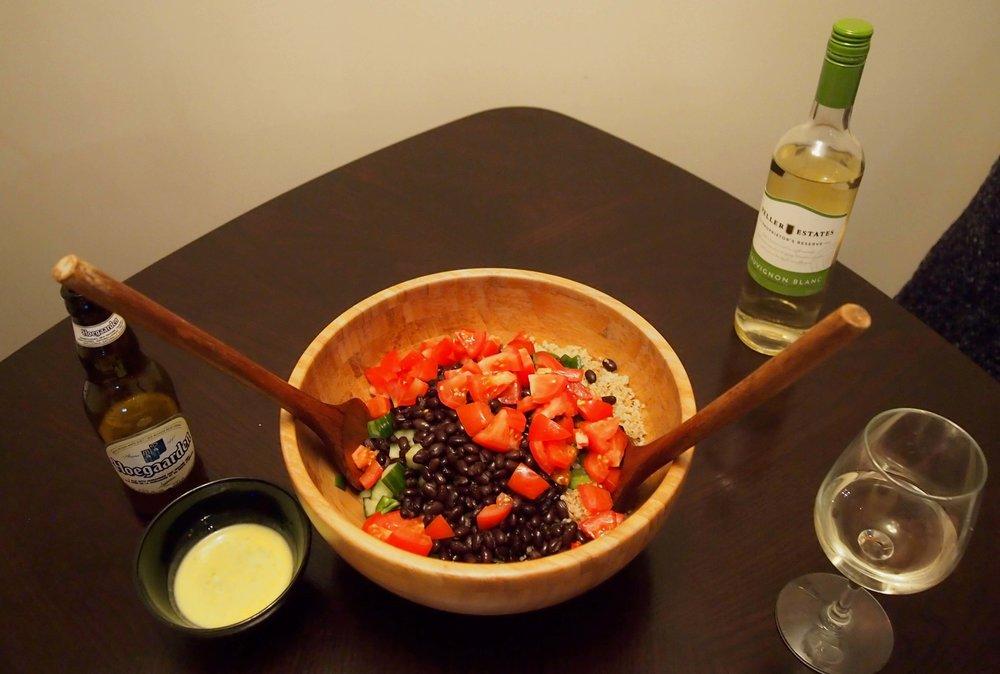 そして、最近我が家で流行っている食べ物。 キヌア! 主に夫が用意してくれるので 作り方はあいまいですが 要は炒めて、茹でて、好みの野菜を入れて混ぜるだけ。 キヌアは 栄養価が豊富で満腹感も得やすいので ヘルシー志向の方には特にオススメです!!