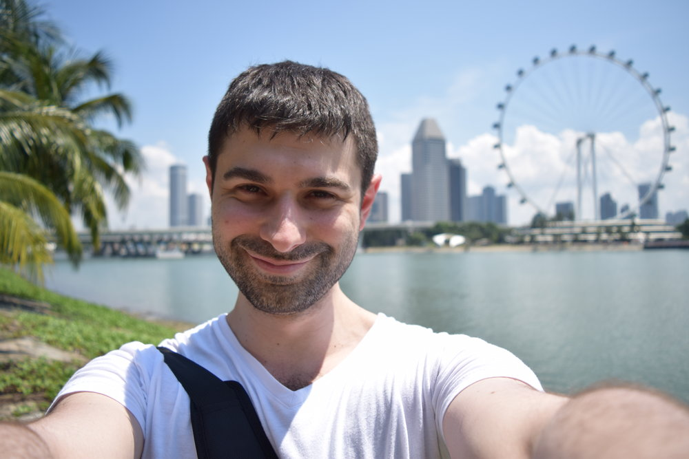 Una selfie con un bel panorama singaporeano alle spalle.