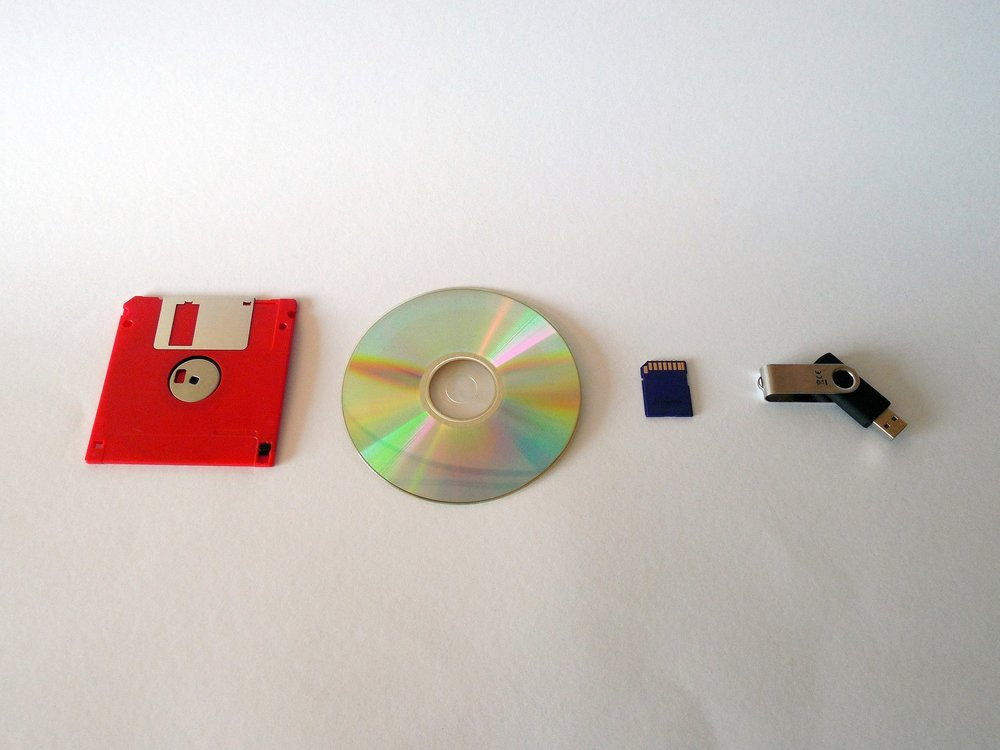 floppy-disk-cd-memory-usb.jpg