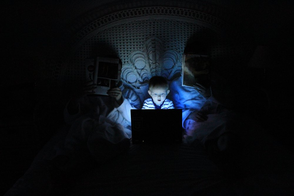 child-darkness-bright-computer.jpg