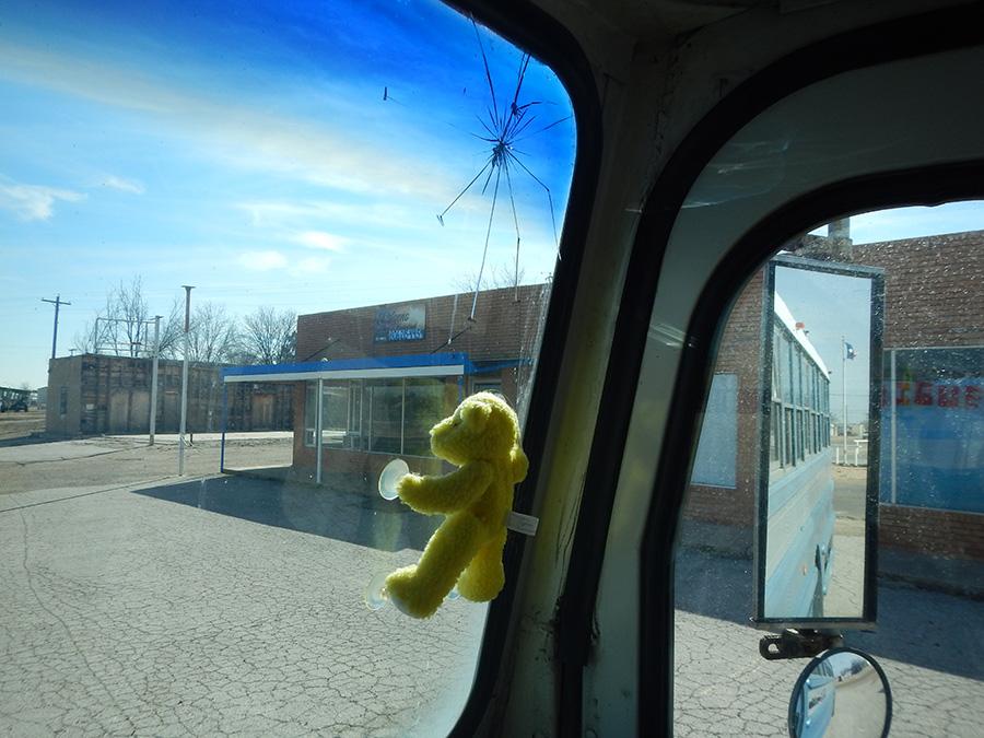 crack-windshield-skoolie-bus-home-insurance.jpg