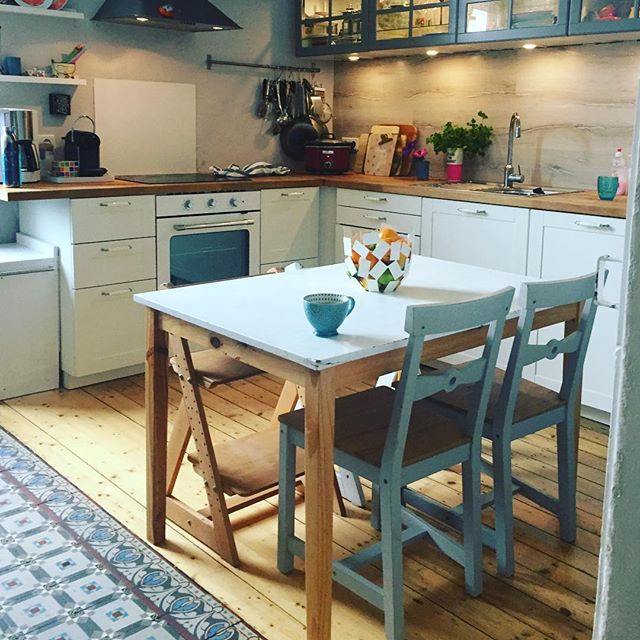 Really love our kitchen and since it's been kid free for an hour, snapping a picture.