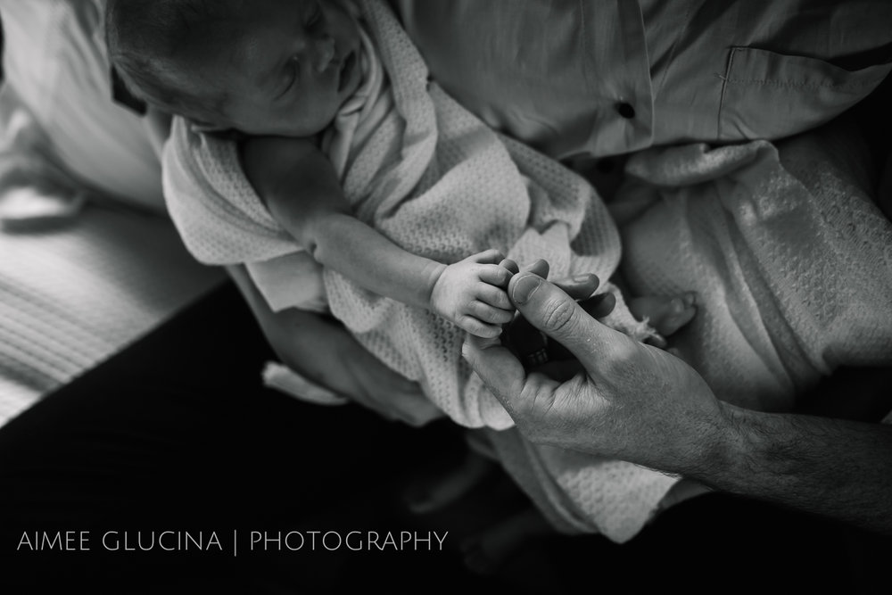 Twin Newborn Baby Photo Session by Aimee Glucina Photography-11.jpg