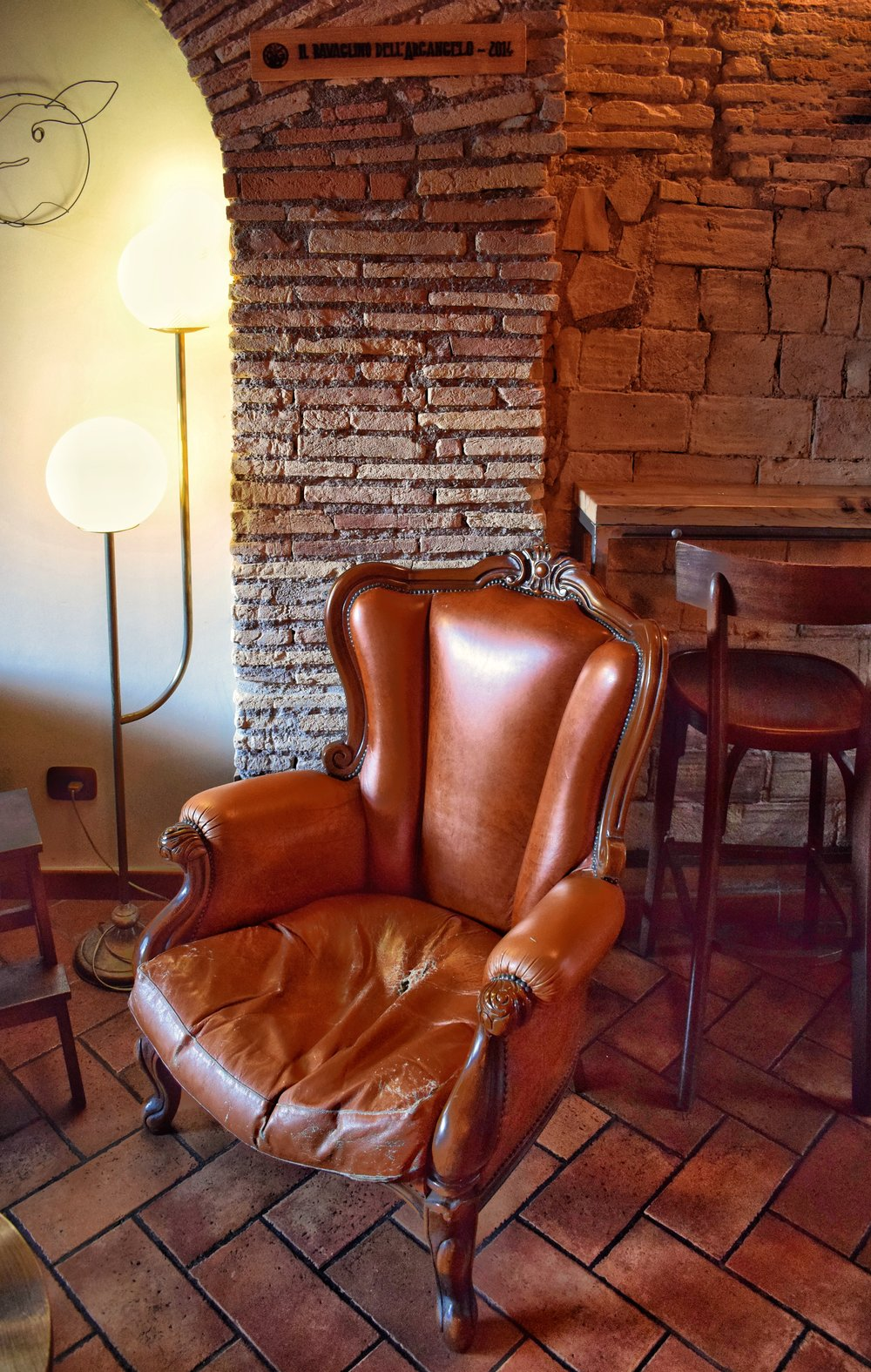 ArmChair-Rome-Brown-Leather-Book