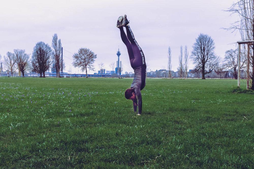 dusseldorf handstand