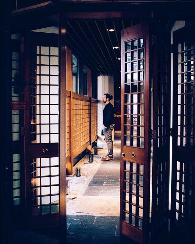 Japanese interior design aesthetic leading to the Teppanyaki restaurant.🎐
