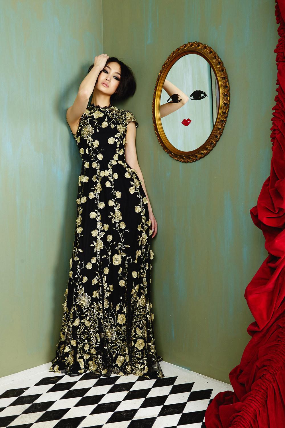 Alice + Olivia                        Vogue.com