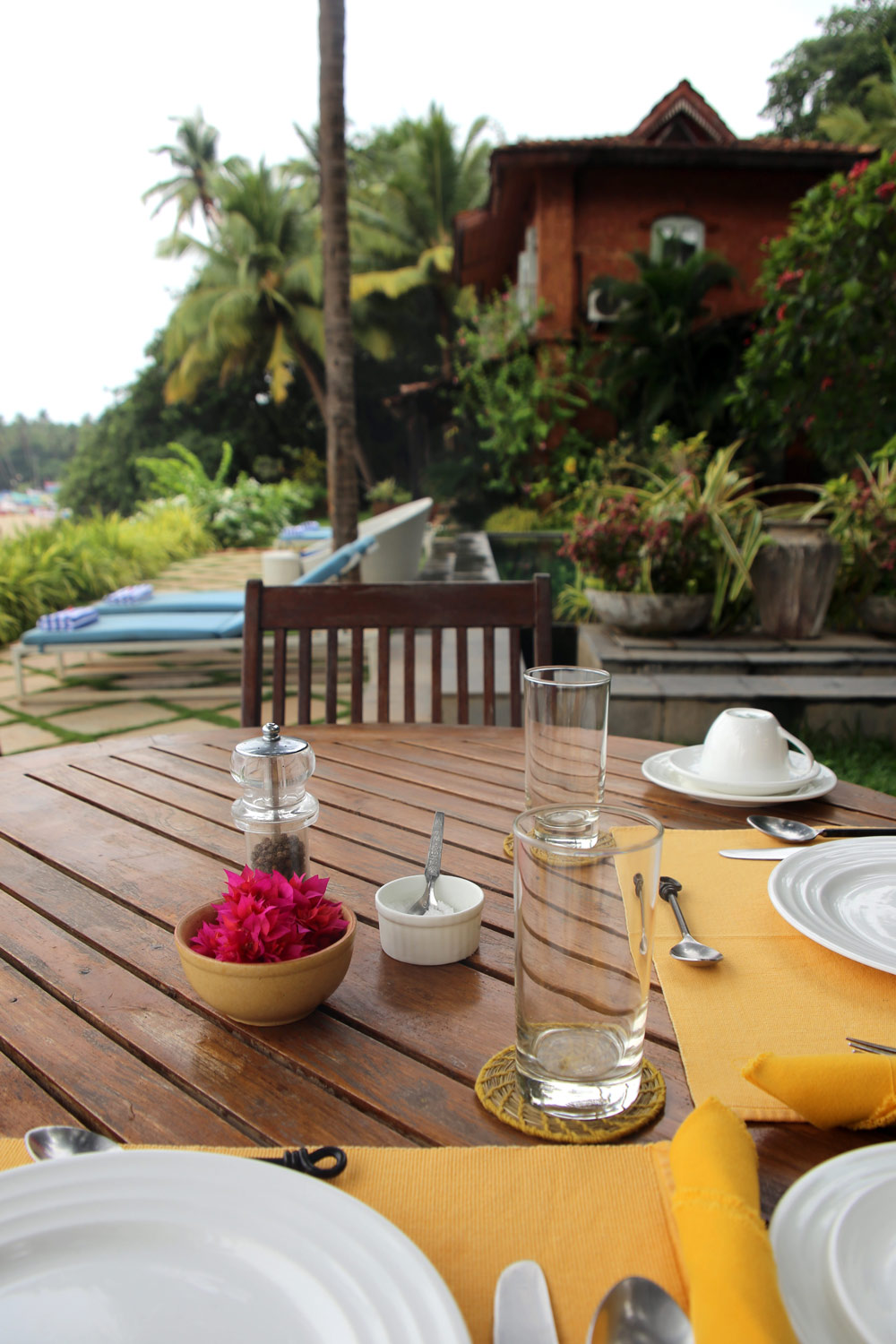 AhilyaByTheSea-Goa-breakfastView