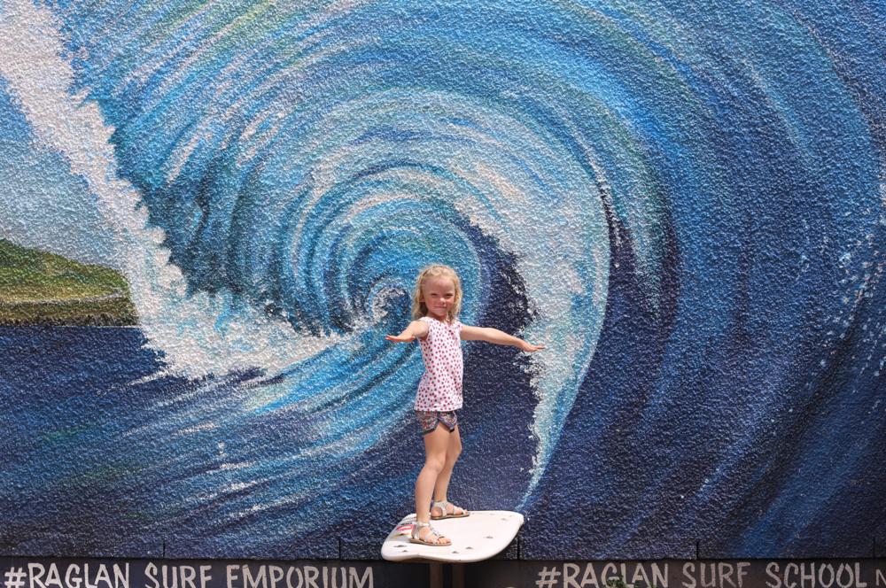 raglan-surf-molly.png
