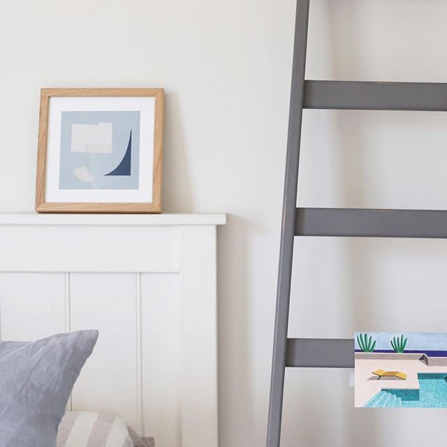 Ladders are the ultimate multitasker in any room of the house - especially useful if you want to hang something without putting holes in the wall ; ) mini-artworks are also a fav, perfect for a classic bedhead with a ledge like this one 😉 xx