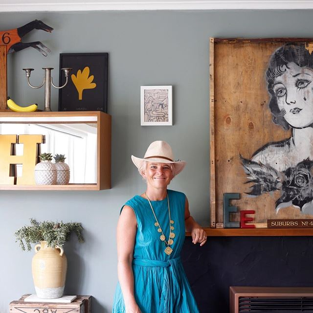 Me in my favourite dress and hat in front of my smoky green art wall. It's the last day of summer today, I'm planning a refresh of my house to get ready for the colder months, might need to buy a cardi too and maybe a warmer fedora, this one is made of paper 👍