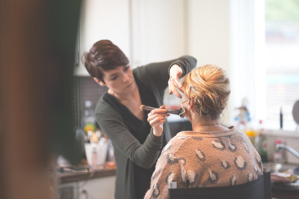 Antoinette & Stephen - Bridal Preparations | Brian McEwan Photography | Wedding Photographer Northern Ireland 57.jpg