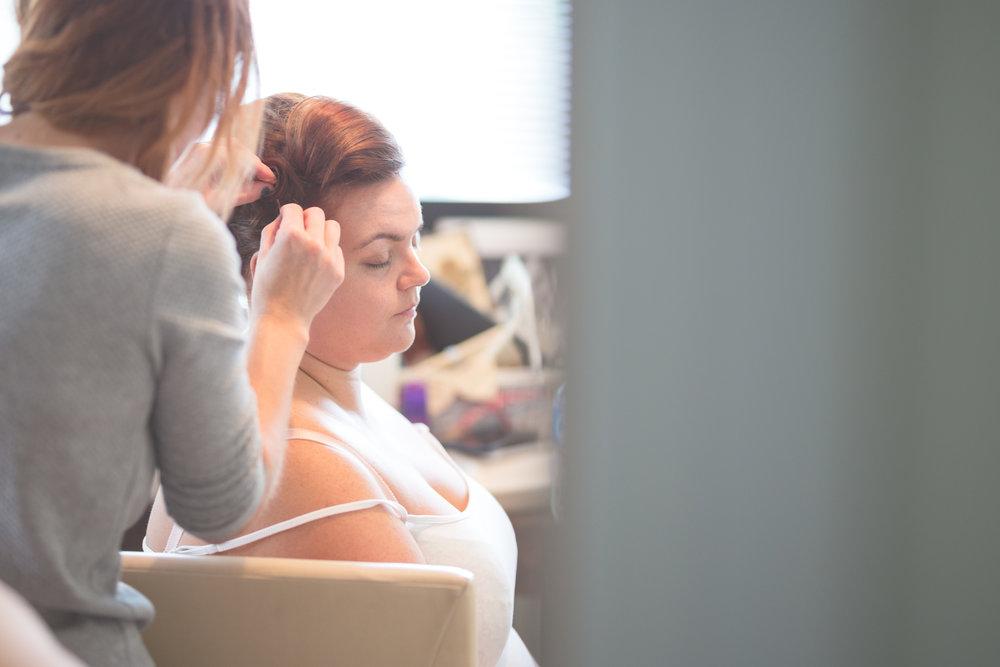 Antoinette & Stephen - Bridal Preparations | Brian McEwan Photography | Wedding Photographer Northern Ireland 112.jpg
