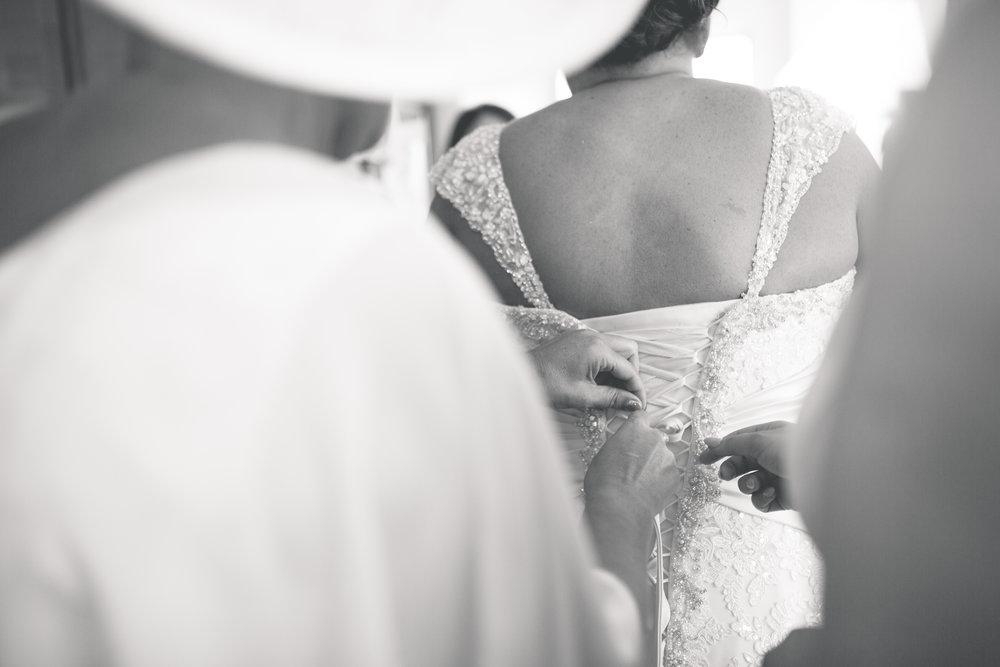 Antoinette & Stephen - Bridal Preparations | Brian McEwan Photography | Wedding Photographer Northern Ireland 137.jpg