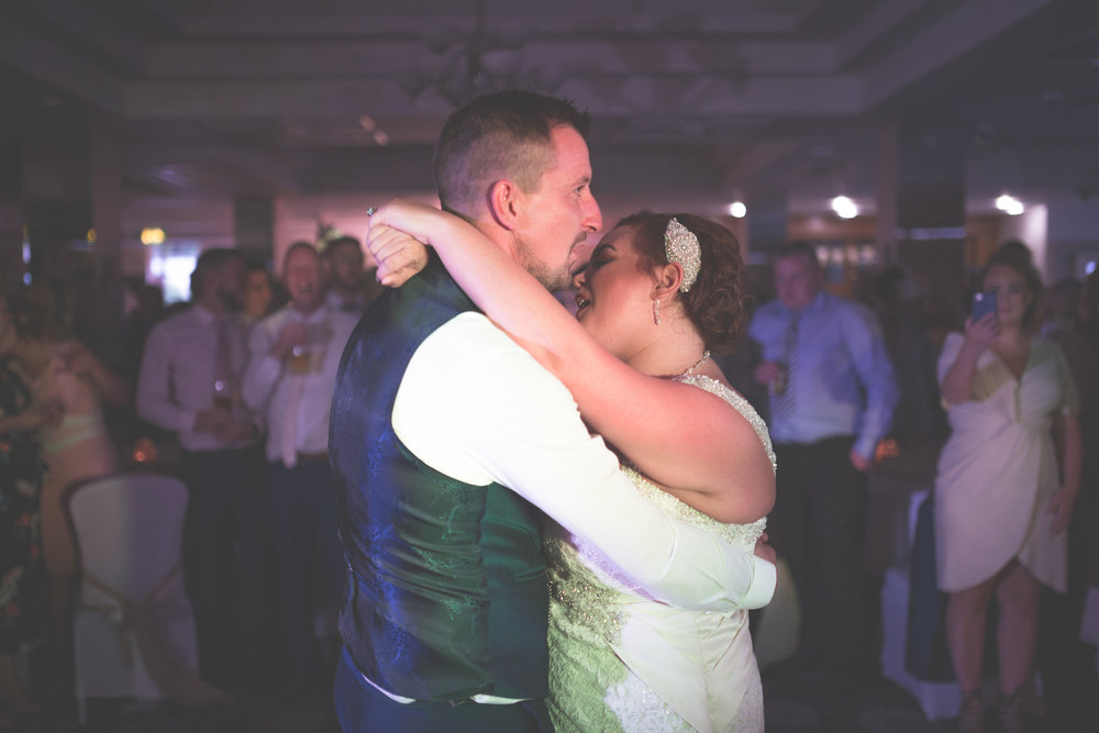 Antoinette & Stephen - First Dance | Brian McEwan Photography | Wedding Photographer Northern Ireland 13.jpg