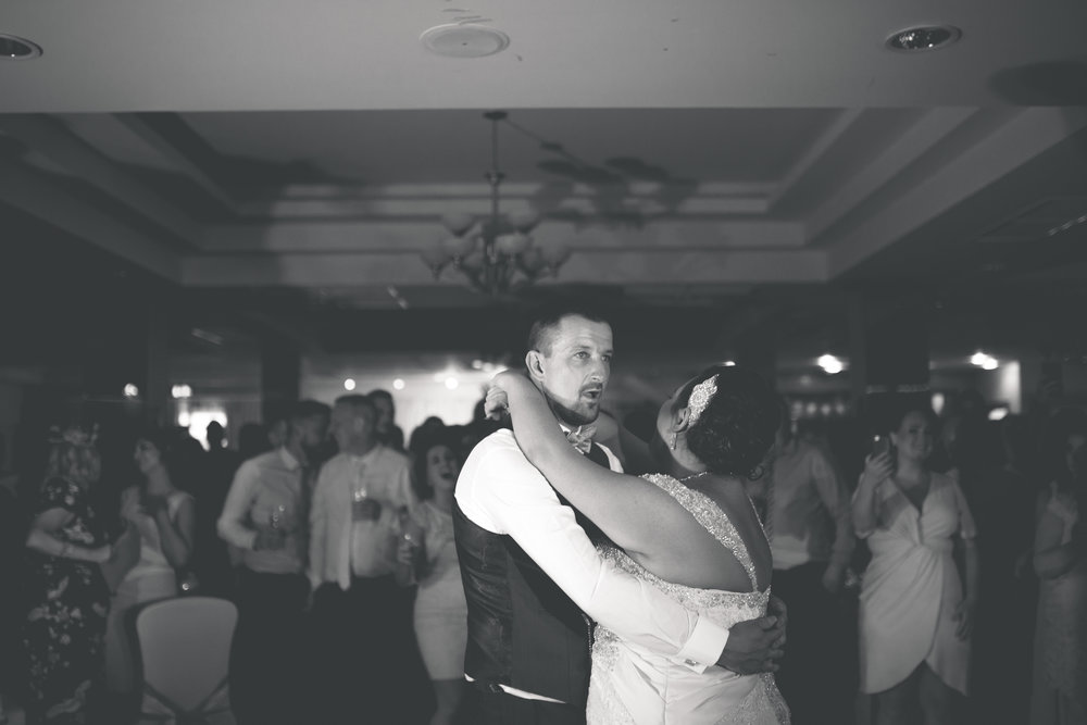 Antoinette & Stephen - First Dance | Brian McEwan Photography | Wedding Photographer Northern Ireland 14.jpg