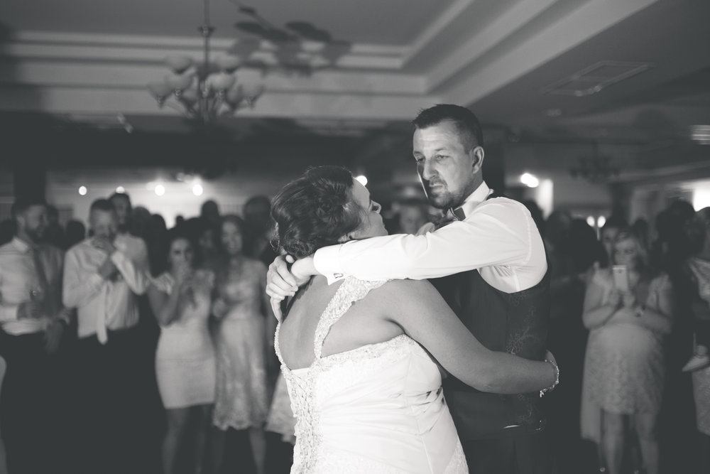 Antoinette & Stephen - First Dance | Brian McEwan Photography | Wedding Photographer Northern Ireland 17.jpg