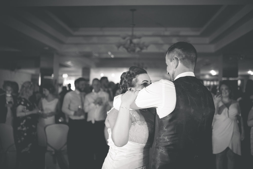 Antoinette & Stephen - First Dance | Brian McEwan Photography | Wedding Photographer Northern Ireland 20.jpg